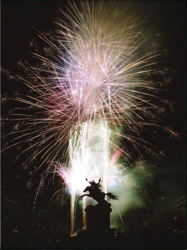 第15代 菊池武光公  毎年開催の花火大会