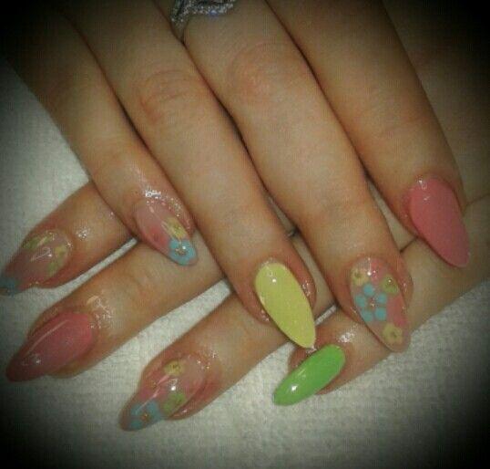 Flower spring nail