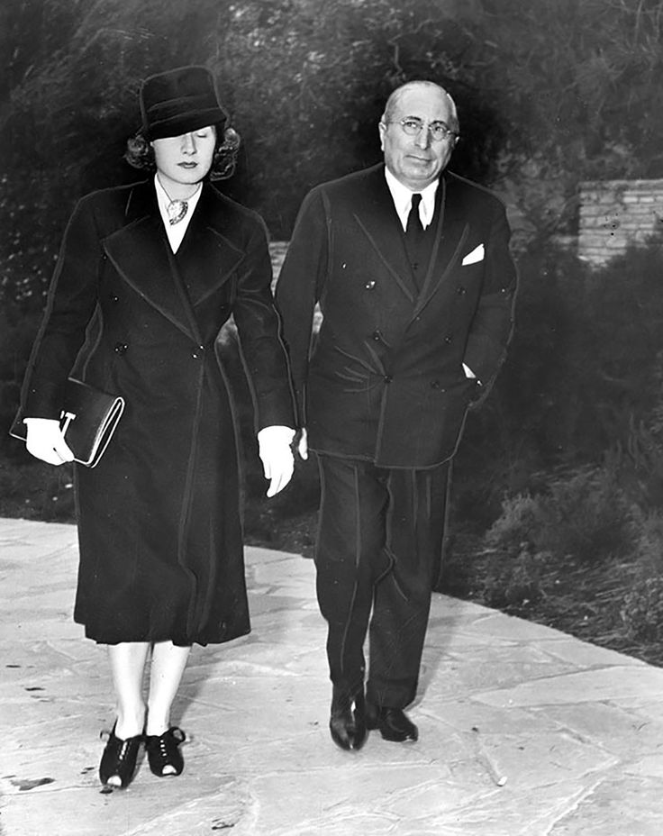 Norma Shearer and Louis B. Mayer attending Jean Harlow's funeral at Forest Lawn Memorial Park in Glendale on June 9, 1937. (LAPL 00115420) Bizarre Los Angeles