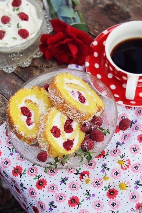 Pasiune pentru bucatarie: Rulada cu zmeura si crema de branza