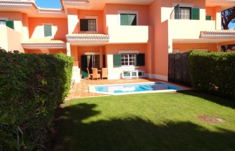 South facing 2 bedrooms Townhouse, at Monte da Quinta, Algarve.