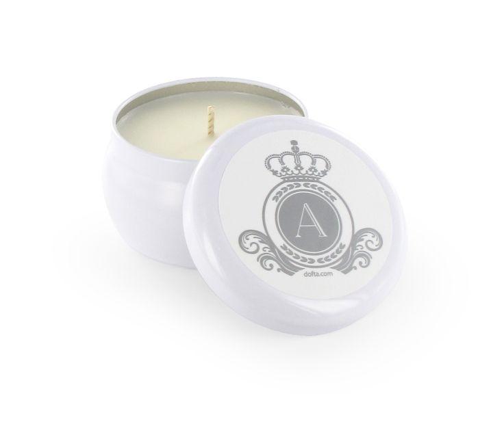 Monogram ljus White Tin. Finns i flera dofter.