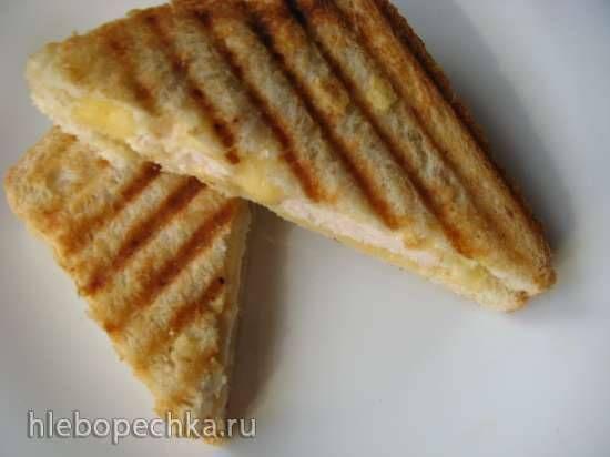 Горячие бутерброды а-ля панини к завтраку за 5 минут Ингредиенты    хлеб для тостов2 кусочка  сыр,  мясо (колбаса, ветчина), овощипо желанию и вкусу. На кусочек хлеба выкладываем ломтик сыра, затем мясо, затем снова сыр и сверху хлеб, выкладываем все это богатство на сковороду-гриль, прижимаем и поджариваем до румяности, затем переворачиваем и поджариваем со второй стороны.