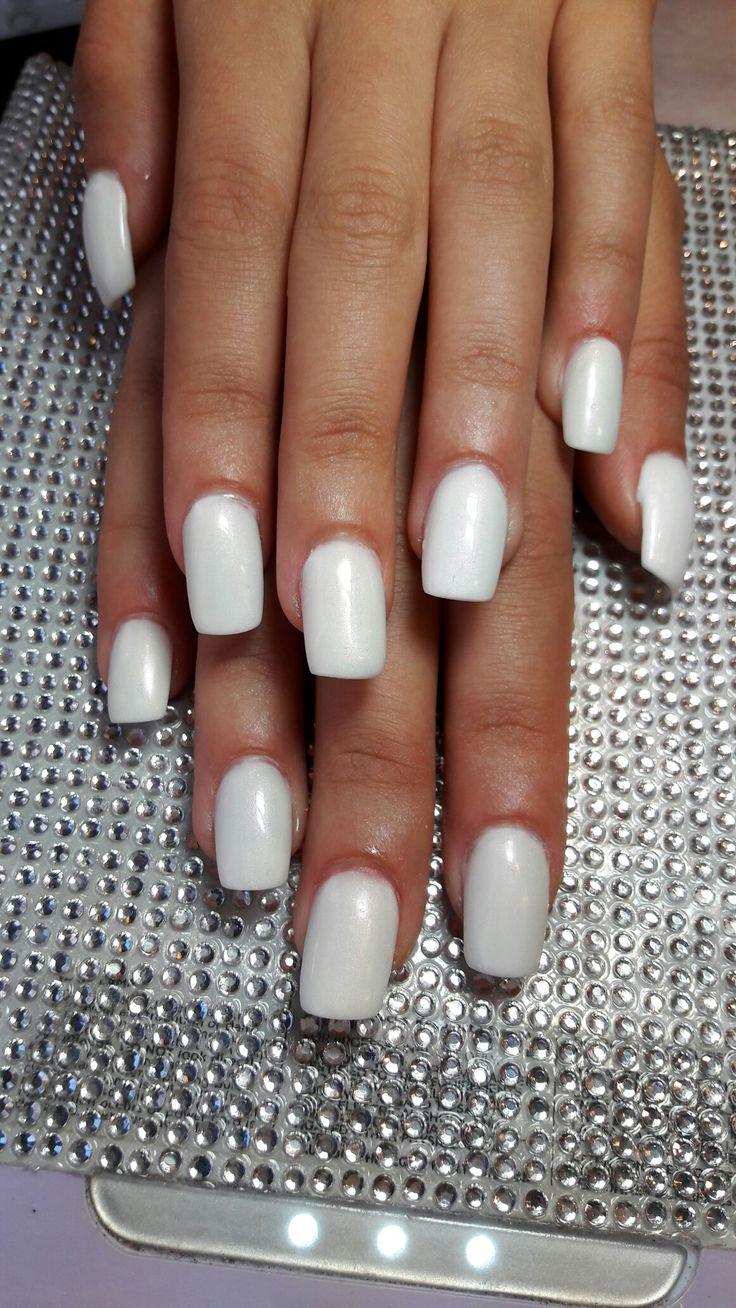 Hvit akryl med shellac 😃