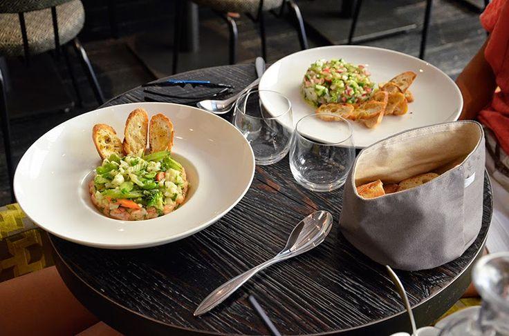 24 rue de Rivoli 75004 Paris Budget : 16€ entrée + plat ou 20€ entrée + plat + dessert      Jolie déco/havre de paix/silencieux
