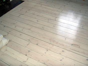 Bathroom Wood Floor With Whitewash Effect Richmond Pine Floor Boards White Wash Finish