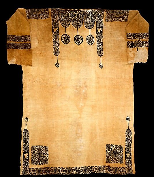 Tunic  Date: probably 5th century Geography: Egypt Medium: Linen, wool; plain weave, tapestry weave