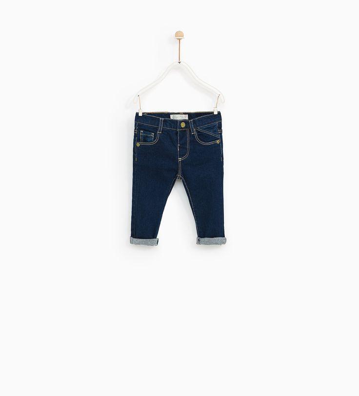 Jeans básicas (azul): ZARA KIDS 3-4 (12,95€)