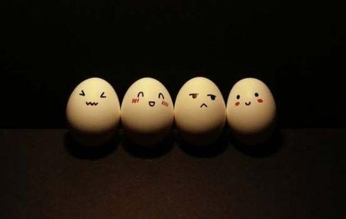 Idee per decorare le uova di #pasqua: ecco le emotic-uova!