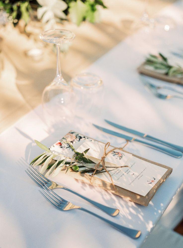wedding in italy - wedding in tuscany - wedding reception - wedding table setting - wedding table decor - wedding menu - wedding calligraphy - olive branch decor ph. Amanda Drost