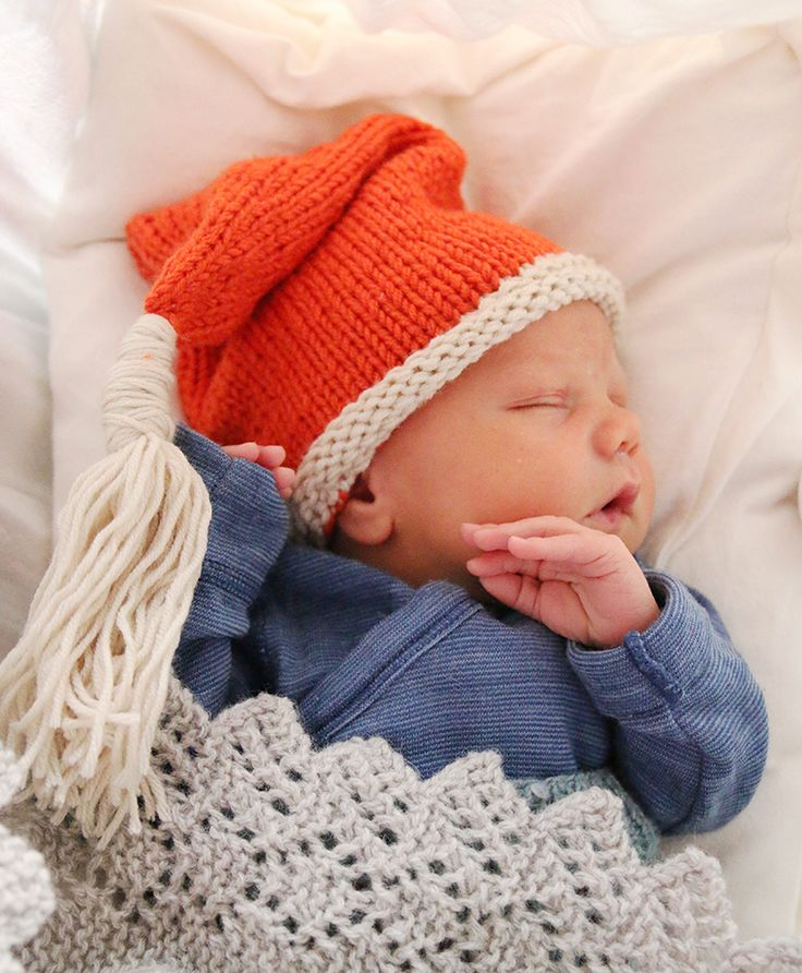Knitting Hat Pattern Circular Needles : Santa s tiny helper hat pickles free knit pattern