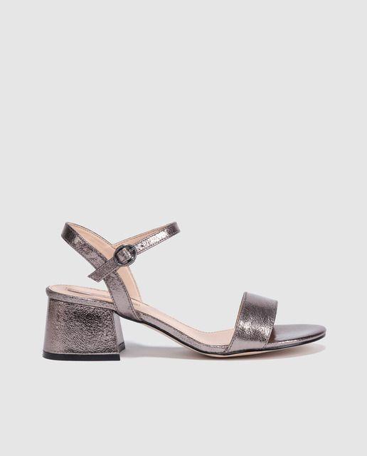 Sandalias de tacón de mujer Mustang de color gris metalizado ... b513491b3a20