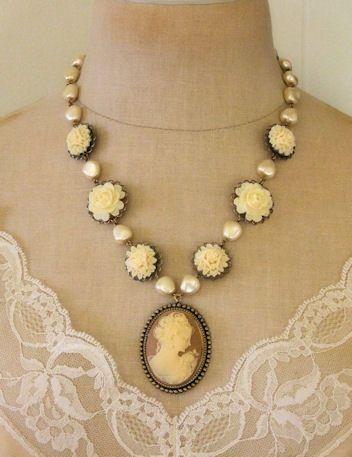 Vanilla blooms cameo necklace