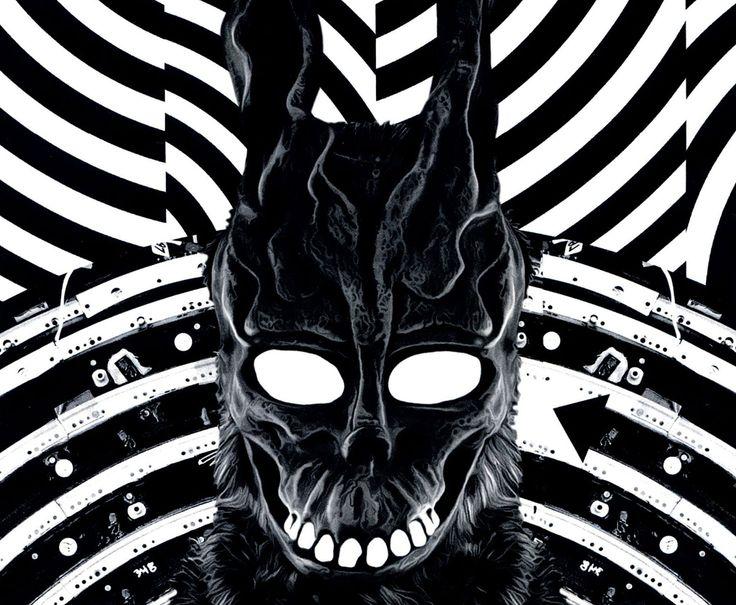 Lançado pela DarkSide Books em 2016, o livro Donnie Darko traz o roteiro original do filme. entrevista com o diretor, e diversos extras.