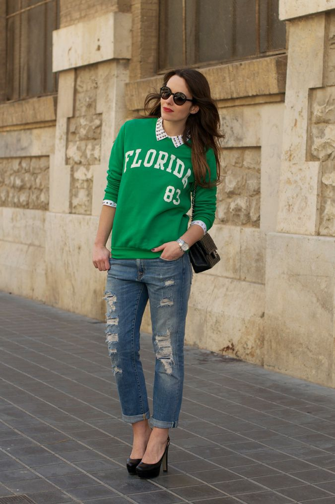 photo varsity-studded_shirt-boyfriend_jeans-chanel_bag-outfit-look-street_style-1_zpsdad3732a.jpg