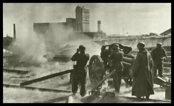 Stalingrad. German artillery, granary. 1942