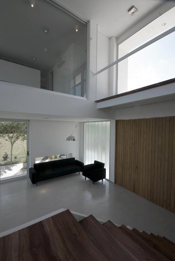 MTO House (2009) Proyecto, Dirección de Obra y Construcción  Más información:  http://vanguardaarchitects.com/es/what-we-do.php?sec=house&project=32  #Arquitectura #Architecture #Disenio #Design #SittingRooms #SalaDeEstar
