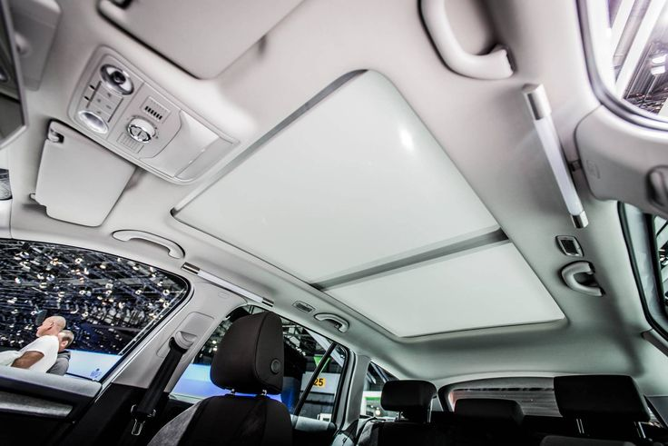 Sliding the sunroof back allows more light and air to enter the cabin. Both parts of the panoramic sunroof are fitted with tinted glass to improve comfort on a board --> http://www.skoda-auto.com/en/models/octavia-scout/ #octaviascout #octavia #skoda #genevamotorshow