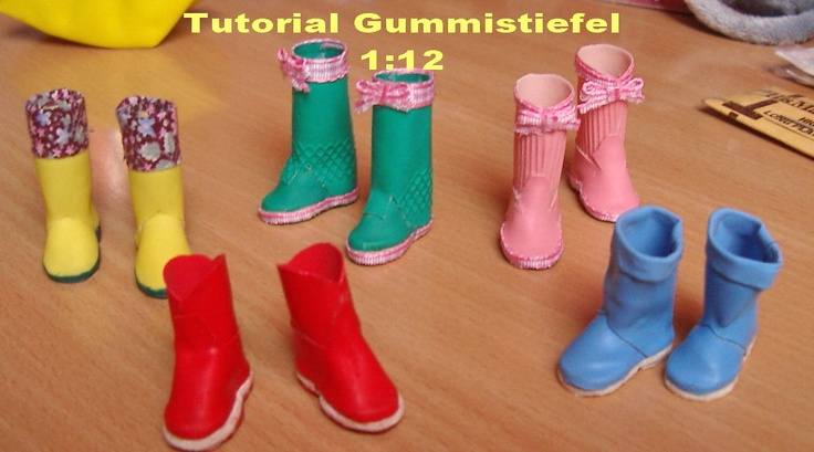 Puno's Minis 1:12: Several tutorials as well as this one-making rain boots from rubber gloves...(In German-)