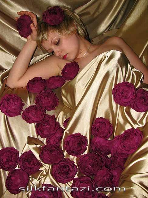 Роза японская крупная 3,000руб.