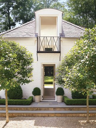 Traditional Outdoor Space by Suzanne Kasler Interiors and William T. Baker & Associates Ltd. in Atlanta, GeorgiaAtlanta Georgia, Living Room Design, Guesthouse, Guest House, Atlanta Home, Outdoor Spaces, Architecture Digest, Design Home, Suzanne Kasler