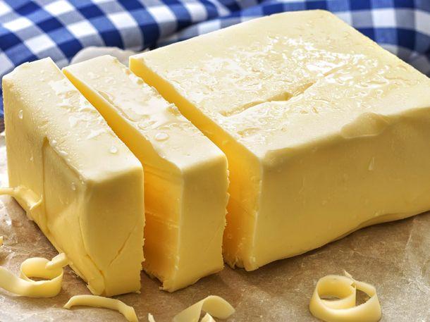 """Gibt es Ersatz für Butter? Ja, den gibt es - und zwar nicht zu knapp! Hier kommen 7 Alternativen zum klassischen """"Butterbrot"""".Dank dem"""