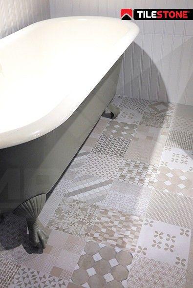 keramische patroontegel, 60x60 tegel, landelijke badkamer, labrisering, beige patroontegel