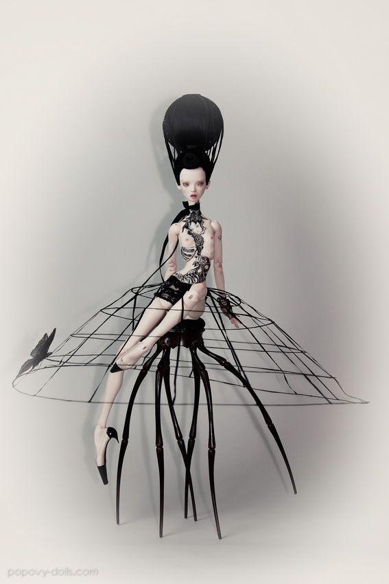 Black Widow, Popovy dolls