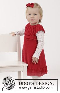 """Set consists of: Knitted DROPS dress with lace edge and round yoke in """"Cotton Merino"""" and hair bow in garter st in """"Cotton Merino"""". SIZE 1 months - 6 years. ~ DROPS Design"""