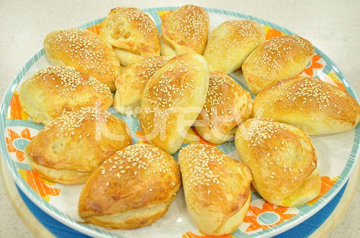 Patatesli Poğaça http://oktayustailecaysaati.com/10915_patatesli-pogaca.html
