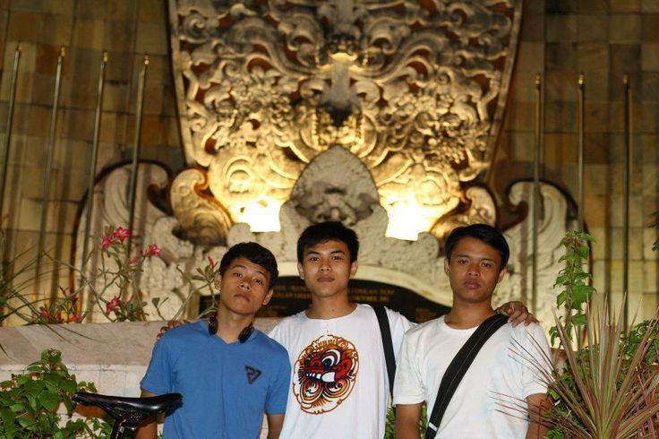 monumen makan bom Bali 2011