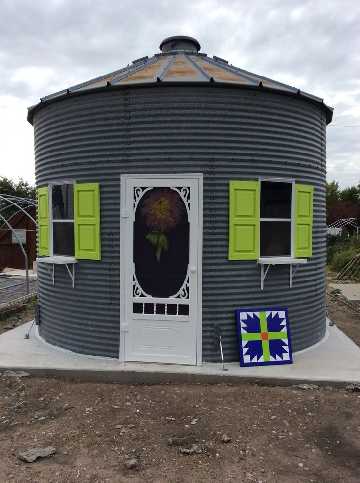 Repurposed grain bin for a gift shop