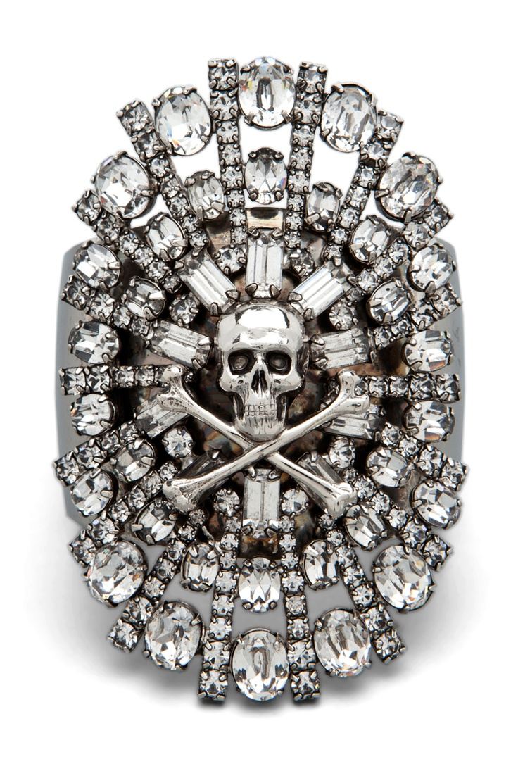 jewelry and clothing  Rodolfo J Santos on Art
