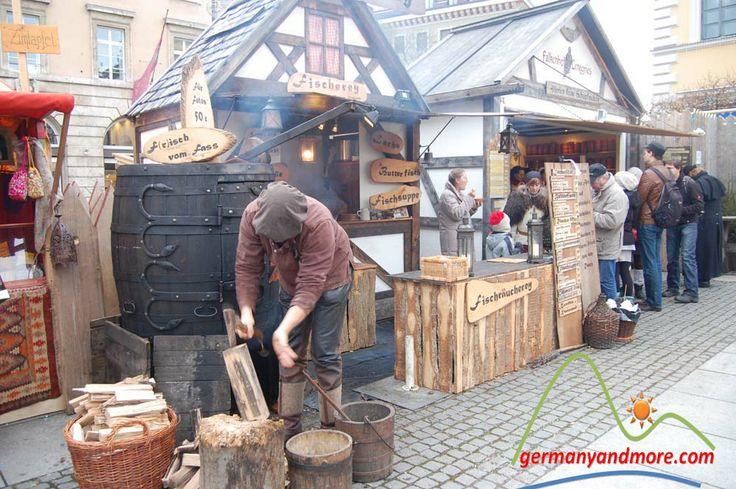 München Christmas markets tour- Mittelalter Weihnachtsmarkt   germanyandmore