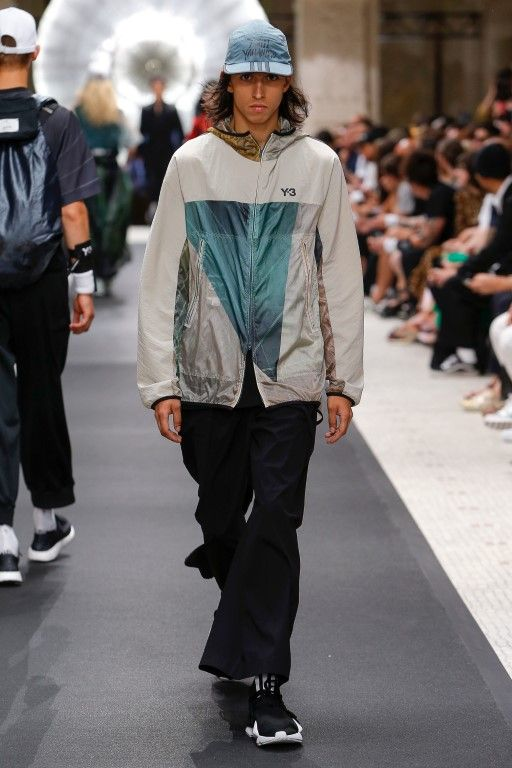 66e2bb8b3 Y-3 Spring Summer 2019 Ready-to-Wear Collection - Paris