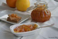 La marmellata di agrumi misti ottima per la prima colazione oppure per la realizzazione di tantissimi dolci, sana, gustosa e dal sapore leggermente agre.