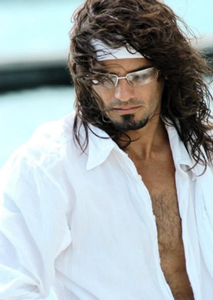 Mario Cimarro (June 1, 1971) Cuban actor.