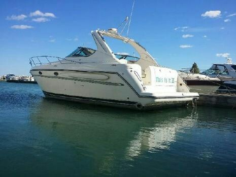 """""""Our next adventure. Owning a boat similar to this one and docking it at one of the many Chicago marinas. Fun, fun, fun.... :  ) Sleeps up to 6. Full kitchen, dining, bathroom w/shower."""