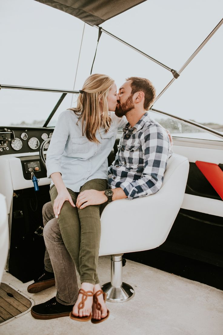 Boats and sunsets – Emily + Brent's engagement session. » Vic Bonvicini Photography