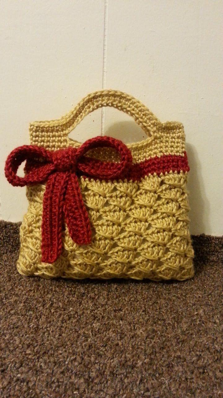 Crochet Handbag Purse Tutorial ༺✿Teresa Restegui http://www.pinterest.com/teretegui/✿༻