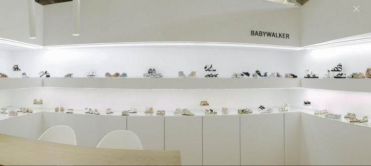 BABYWALKER luxury shoes.. Official presentation SS2018 collection #pittibimbo #pittimagine #Firenze #babywalkershoes #babywalker #kidsshoes #vaptistika