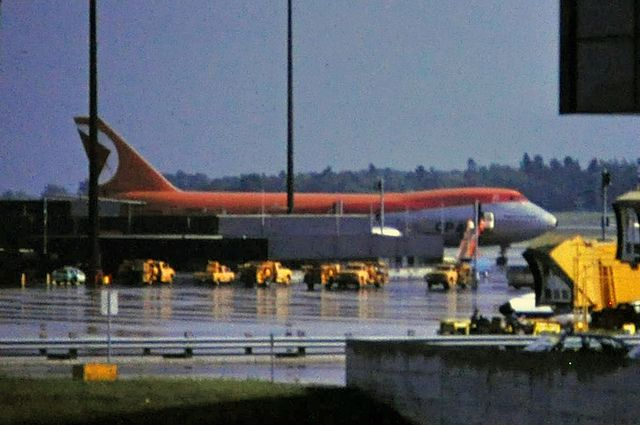 Mirabel Airport, 1980 - A now-defunct CP Air Boeing 747