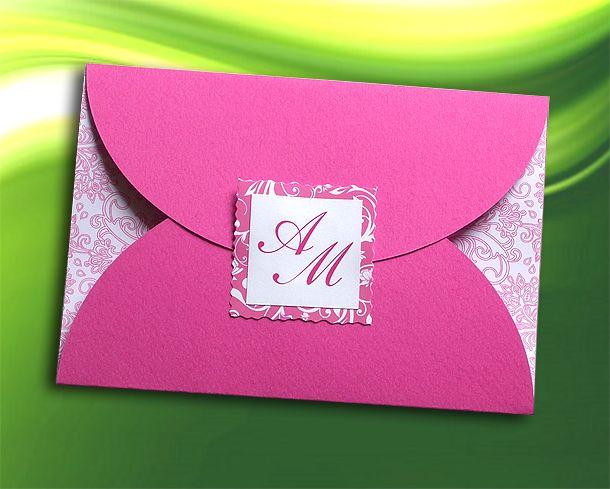 Πρόσκληση Γάμου από χαρτί Φούξια και Λευκό χρώμα με φάκελο, vintage διακόσμηση και μονογράμματα των μελλόνυμφων, Ιδιαίτερα οικονομική τιμή. Νέο Σχέδιο - http://www.Prosklitirio-eShop.gr