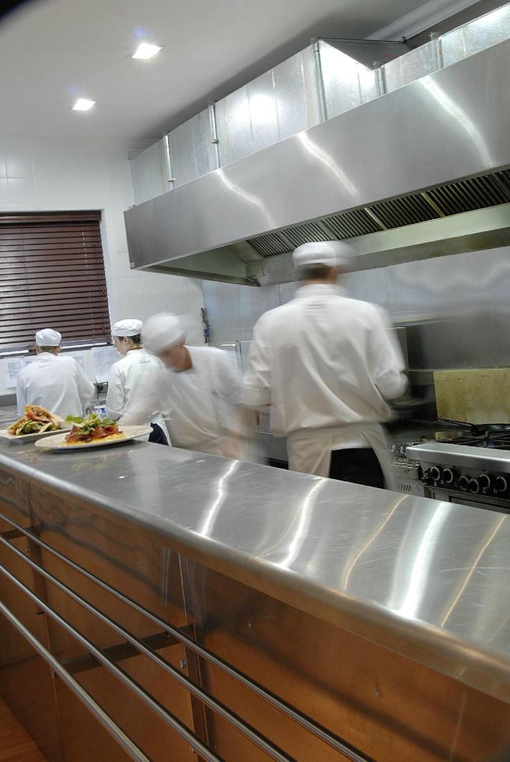 Owned and managed by the Institute of Culinary Arts chef school, the restaurant is run entirely by culinary students under the guidance of the Head Chef and Managers.