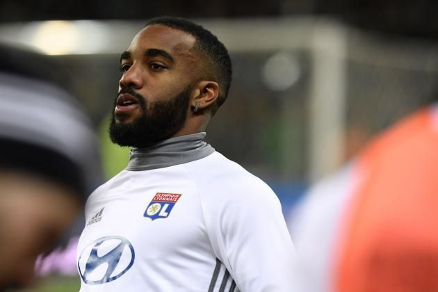 #rumors  Transfer news: Arsenal and West Ham on alert as Alexandre Lacazette confirms he is ready to leave Lyon this summer