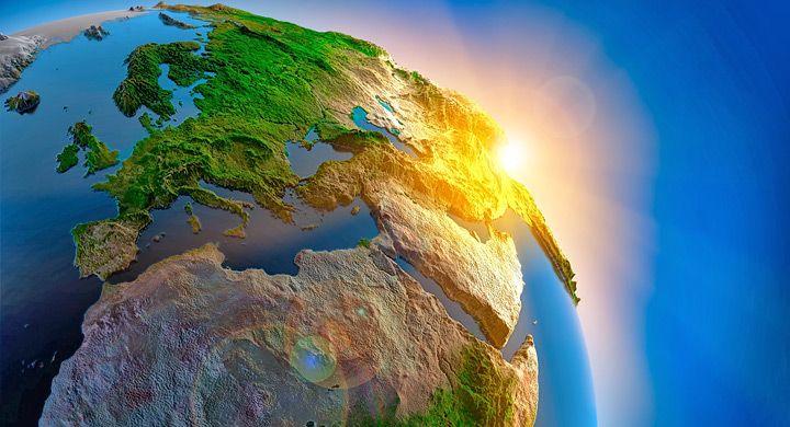 El concepto de ecosfera es holístico, lo que significa que abarca un conjunto de cosas como un todo, ecosistemas, propiamente. Si por un lado un ecosistema