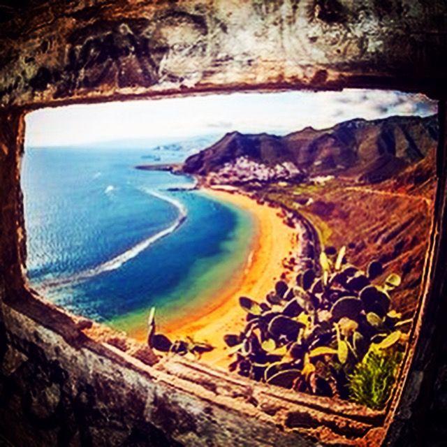 Playa Las Teresitas en Tenerife visto desde el mirador