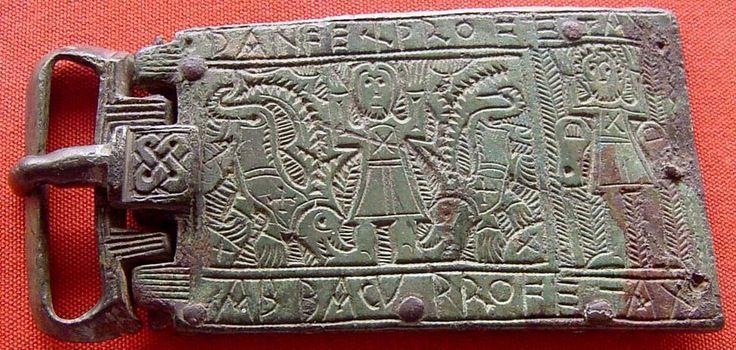 (Merovingio) hebilla del cinturón hecha de bronce.