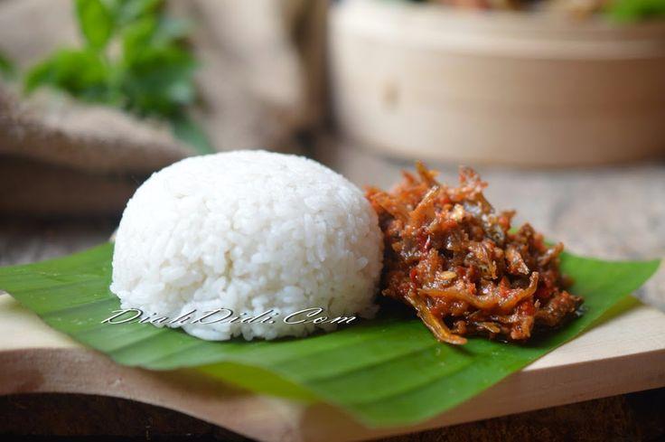 Diah Didi's Kitchen: Nasi Gurih Praktis & Sambal Teri