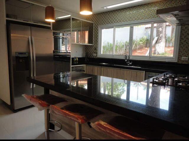 Adesivo De Anticoncepcional ~ Cozinha com armários em vidro reflecta na cor preta